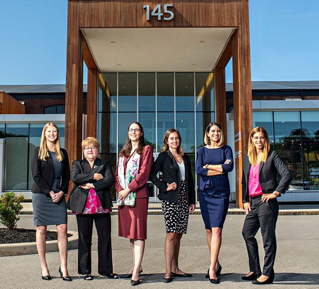 Women-Lawyers-Header-Mobile